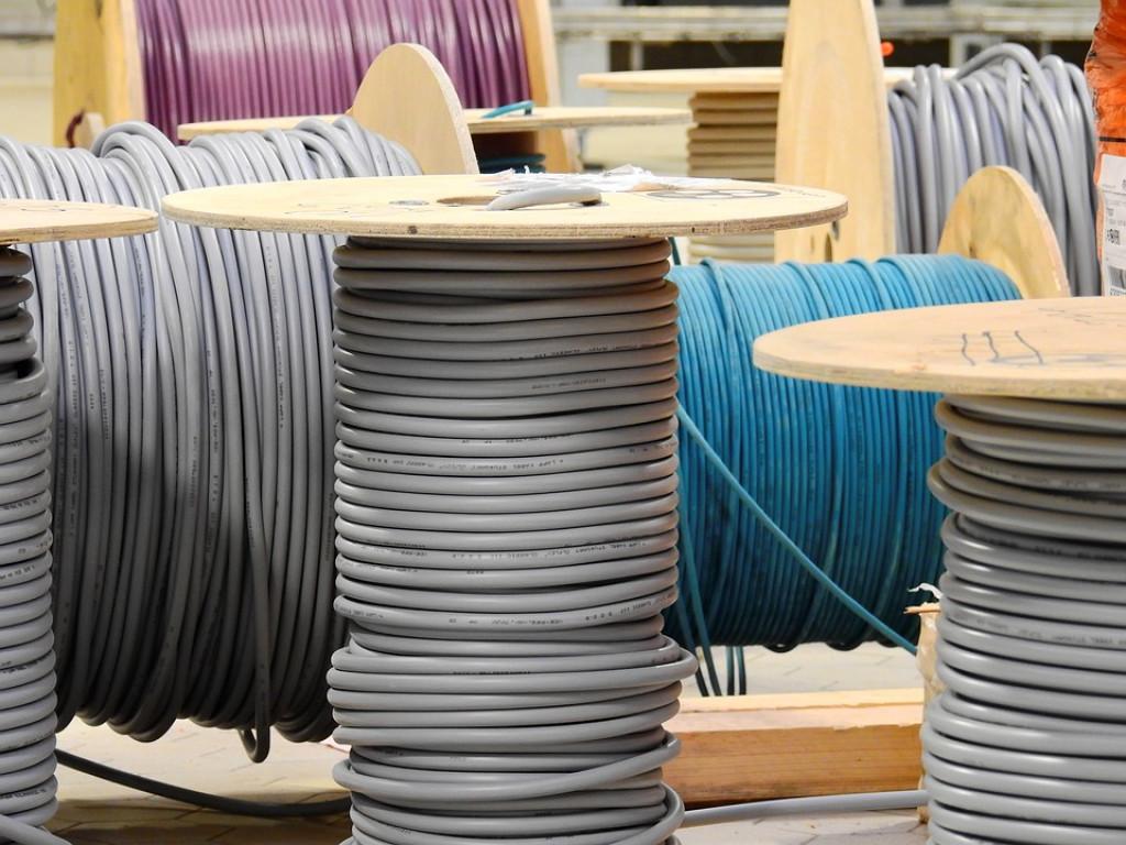 Hyr en industrielektriker til din virksomheds næste projekt